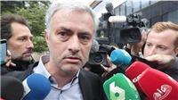 HLV Mourinho thừa nhận trốn thuế, nhưng chọn giải pháp khác Ronaldo