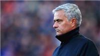 'Người Đặc biệt' Mourinho không còn đặc biệt. Ông đã hết thời...