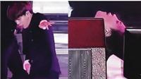 Fan lo sợ khi thấy Jimin BTS ngã xoài trên sân khấu 'Lotte Family Concert'