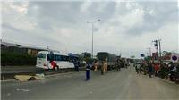 Xe tải đâm liên tiếp vào nhiều xe máy làm 2 người chết, 2 người bị thương