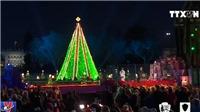 VIDEO Lễ thắp sáng cây thông Giáng sinh Quốc gia ở Mỹ
