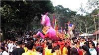 Khai hội Gióng đền Sóc Sơn: Tán lộc hoa tre, lộc trầu cau cho người dân trong trật tự