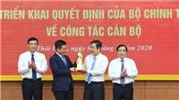 Đồng chí Phạm Minh Chính công bố quyết định của Bộ Chính trị về công tác cán bộ