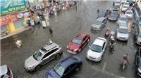 Chùm ảnh: Nhiều tuyến đường ở Thành phố Hồ Chí Minh ngập sâu hơn 50cm sau cơn mưa lớn