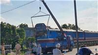 Hà Nam: Tàu hỏa va chạm với xe taxi, một người tử vong