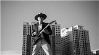 Nghe Hoàng Bách hát 'Một tình yêu' với rock alternative