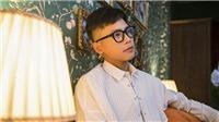 Quân A.P nhận nút vàng Youtube chỉ với 4MV và một năm đi hát