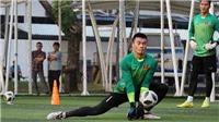 Thủ môn Bùi Tiến Dũng được tôn vinh trước trận gặp U23 Nhật Bản