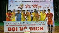 Nhà thi đấu Lãnh Binh Thăng 'chấn động' bởi cầu thủ Huế