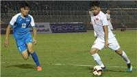 U19 Việt Nam hành động đẹp với đồng đội