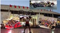CĐV Thái Lan đạp xe hàng ngàn km đến Mỹ Đình cổ vũ đội nhà