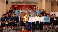 Bộ trưởng nêu cao tinh thần Việt Nam với thầy trò HLV Park Hang Seo
