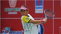 Tay vợt trẻ thần tượng Sharapova lên ngôi trên sân nhà