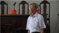 Tống đạt quyết định thi hành án 3 năm tù đối với ông Nguyễn Khắc Thủy về tội dâm ô đối với trẻ em