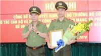 Trao quyết định bổ nhiệm cho Thiếu tướng Nguyễn Minh Chính