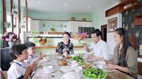 Xem 'Gạo nếp gạo tẻ' tập 92: Hai bên gia đình ủng hộ, Tường cưới Hương 'liền tay'?