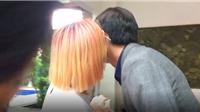 VIDEO 'Về nhà đi con': Cô gái lạ hôn Quốc Trường 'qua mặt' Bảo Thanh khiến fan nữ ghen tị