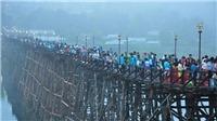 Nguy cơ sập cầu gỗ dài nhất của Thái Lan do mưa lũ