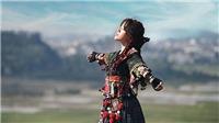 Vừa đầu quân choUniversal Music Vietnam, Phùng Khánh Linh ra mắt MV mới