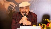 Nhạc sĩ Trần Tiến tràn đầy năng lượng ở Thủ đô, ngẫu hứng hát bài mới 'Không gục ngã'