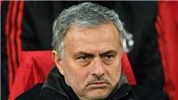 CĐV M.U chia rẽ sâu sắc về bài phát biểu 12 phút của Jose Mourinho
