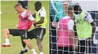 Đội tuyển Đức: Rudiger và Kimmich suýt tẩn nhau, Draxler bị đánh cùi chỏ chảy máu