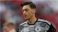 Vì sao Mesut Oezil không được yêu mến ở Đức?