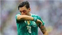 CĐV gọi Oezil là 'tiền vệ vĩ đại', chỉ trích thậm tệ Liên đoàn bóng đá Đức