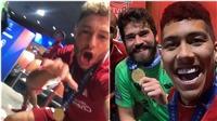 Cầu thủ Liverpool ăn mừng cực sung trong phòng thay đồ sau khi vô địch C1