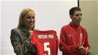 Nàng WAGs nóng bỏng lột đồ khi tâng bóng trở thành nữ chủ tịch CLB bóng đá đầu tiên Ukraine