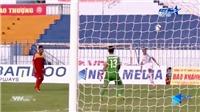 Pha đá phản lưới nhà của cầu thủ Cần Thơ lên báo nước ngoài