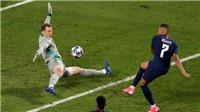 Manuel Neuer: 'Thủ môn quét' độc nhất vô nhị của bóng đá
