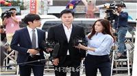 Yang Hyun Suk bị triệu tập điều tra đánh bạc, lộ diện công chúng sau nhiều cáo buộc