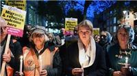 Vụ 39 thi thể trong xe tải ở Anh: Nhiều người dân Anh cầu nguyện cho các nạn nhân