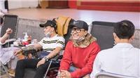 Ca sĩ Tuấn Hưng tình nguyện hiến máu đầu năm
