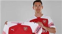 Arsenal chiêu mộ Lichtsteiner: 'Mua sắm kiểu này thì còn thất bại... bền vững'