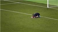 Cầu thủ Liverpool bị chỉ trích vì bỏ rơi Loris Karius