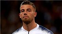 Barca nhảy vào cuộc đua giành trung vệ tuyển Bỉ với M.U