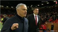 M.U thắng Newcastle kịch tính, Mourinho chửi tục 'xả stress'