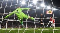 ĐIỂM NHẤN Arsenal 2-0 MU: 'Hiệp sĩ Robin Hood' trở lại. Mong manh hi vọng top 4