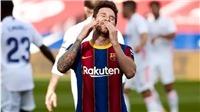 Fan đau lòng với hình ảnh Messi lủi thủi một mình trên sân tập của Barca