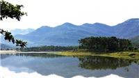 """Hồ Yên Trung (Uông Bí, Quảng Ninh): điểm du lịch """"lột xác"""" từ hồ thủy lợi"""