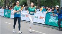 Hoa hậu Đỗ Mỹ Linh và Lương Thuỳ Linh tham gia giải chạy marathon ở Hà Nội