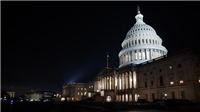 Quốc hội Mỹ thông qua gói cứu trợ COVID-19 trị giá gần 900 tỷ USD