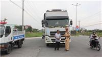 Ra quân tổng kiểm soát xe ô tô khách, container và xe mô tô: Cương quyết xử lý những trường hợp vi phạm