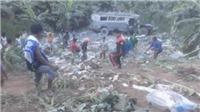 Xe buýt lao xuống khe núi, hơn 30 người thương vong