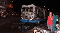 Cháy rụi xe khách 24 chỗ ở huyện Phú Riềng (Bình Phước)
