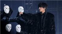 V BTS hóa Thiên nga đen, thần chết trong 'Lâu đài bay của pháp sư Howl'