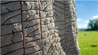 Người Viking cổ đại với nỗi lo sợ về biến đổi khí hậu khắc trên phiến đá
