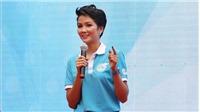 Hoa hậu H'Hen Niê chia sẻ về giáo dục nữ sinh trong video của youtuber nổi tiếng